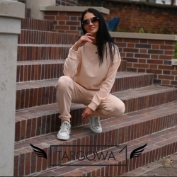 Pokochaliśmy dresy 😊 🎯  To idealny zestaw Tommy Hilfiger na chłodniejsze dni 🍂 Czy również Waszym zdaniem ten kolor jest piękny? 😍  👉 Bluza Tommy Hilfiger 259,00 zł 👉 Spodnie dresowe Tommy Hilfiger 189,00 zł  .  #targowa1 #odziezmarkowa #promocje #fashion #fashionlovers #moda #markipremium #odziezdamska #odziezmeska #hit #zakupyonline #shoppingonline #shopping