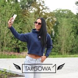 Odsłonięty brzuch - jest trendem również jesienią 2021 😊  Czy macie już swoją ciepłą ale krótką bluzę?💪  👉 Bluza Tommy Jeans 389,00 zł  .  #targowa1 #odziezmarkowa #promocje #fashion #fashionlovers #moda #markipremium #odziezdamska #odziezmeska #hit #zakupyonline #shoppingonline #shopping